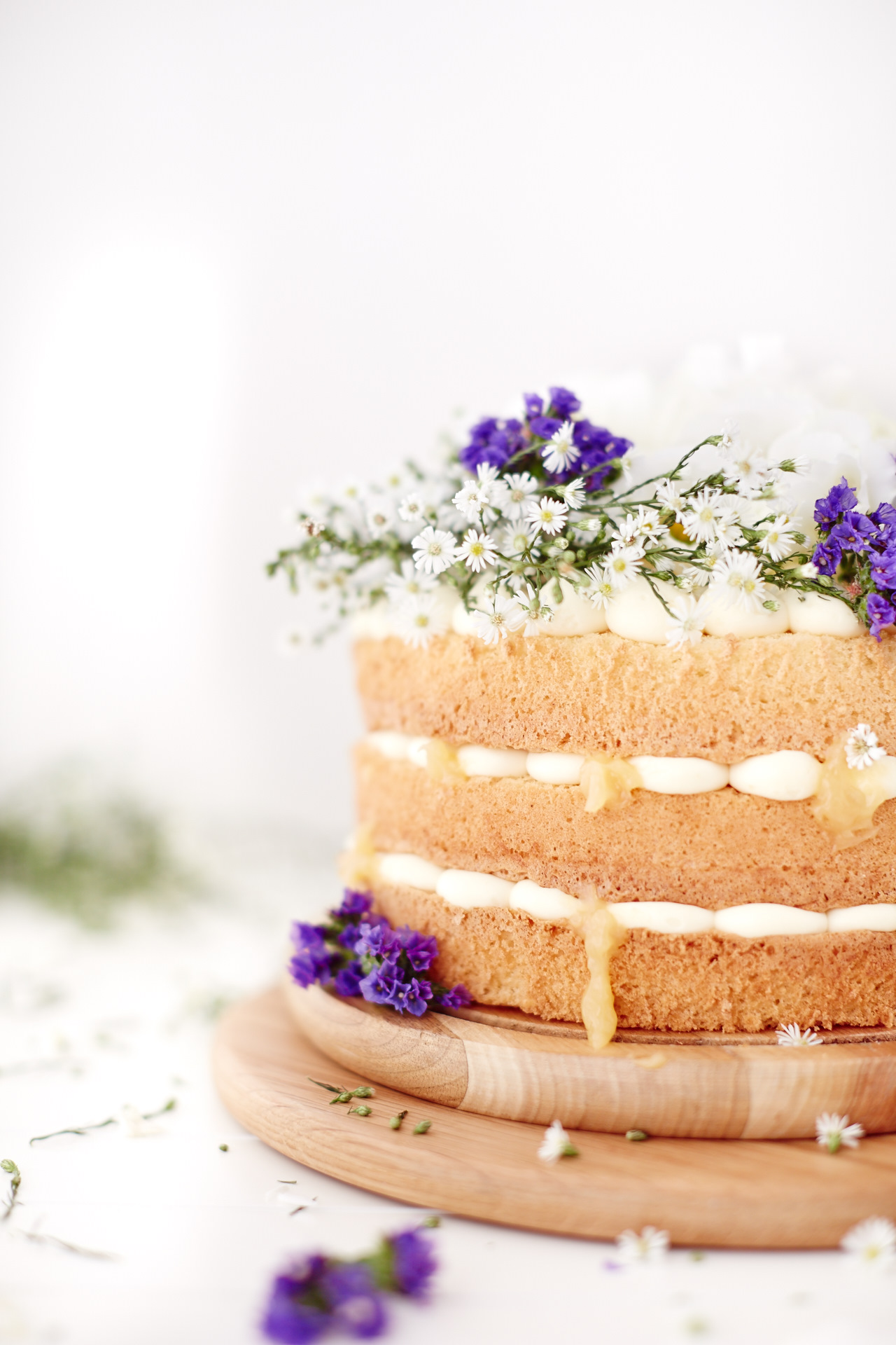 Lemon Flora Layer Cake