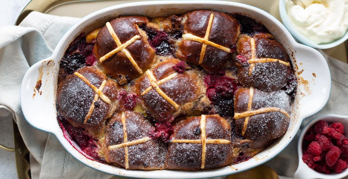 Hot Cross Bun Berry Pudding